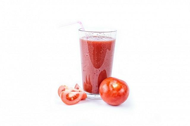 トマトの野菜ジュース