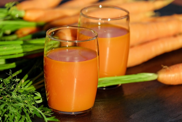 ニンジンの野菜ジュース