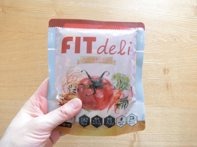 フィットデリのトマト玄米味のパッケージ